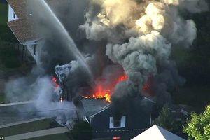 Mỹ: Hàng chục căn hộ cháy, nổ cùng lúc nghi do rò rỉ khí gas