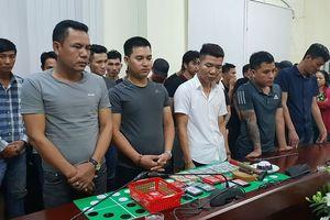 Hàng trăm cảnh sát vây bắt sới bạc của 'trùm' 9X ở TPHCM