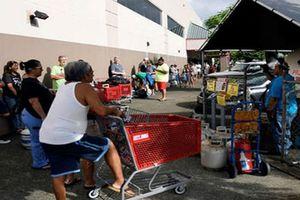 Mỹ: Người dân đổ xô mua lương thực để đối phó siêu bão Florence