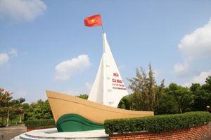Vợ chủ tịch tỉnh Cà Mau có tên trong danh sách đi nước ngoài: Sơ suất của Văn phòng