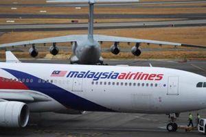 Máy bay Malaysia phải hạ cánh khẩn cấp xuống sân bay Heathrow