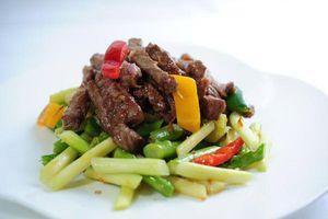 Cách xào thịt bò măng tây ngon, mềm