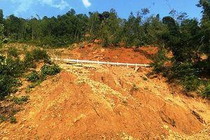 Sạt lở đất đá, Quốc lộ 15A đoạn qua huyện miền núi Thanh Hóa tê liệt