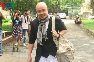 Ông Đặng Lê Nguyên Vũ đến tòa hòa giải ly hôn lần 3