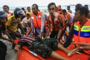 10 người chết thương tâm do cháy gây chìm phà tại Indonesia