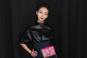 Ngô Cẩn Ngôn thiếu khí chất trên thảm đỏ New York Fashion Week