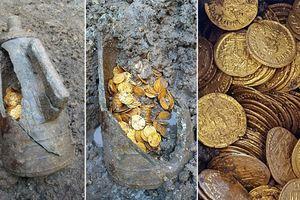 Phát hiện ít nhất 300 đồng tiền vàng thời La Mã trị giá hàng triệu USD