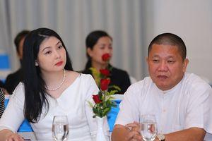 Vợ cũ đại gia Lê Phước Vũ chi hàng chục tỷ gom lại cổ phiếu Hoa Sen