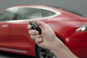 Có thể hack và đánh cắp dễ dàng xe điện Tesla Model S