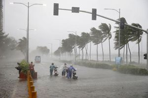 Cận cảnh siêu bão Mangkhut tàn phá nghiêm trọng phía bắc Philippines
