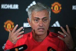 Mourinho độc thoại trong 4 phút 36 giây để bảo vệ cách dùng Rashford