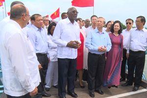 Quảng Trị kỷ niệm 45 năm Chủ tịch Fidel Castro đến thăm
