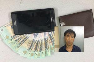 Tên trộm có 3 tiền án móc túi lấy sạch tài sản của người say