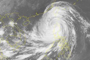 Siêu bão Mangkhut giật trên cấp 17 đã vào biển Đông