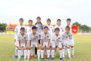 U.16 nữ VN ra quân thắng đậm UAE 4-0