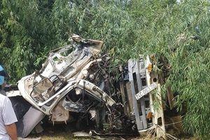 Chạy trên 109 km/h, xe bồn nát tươm sau tai nạn thảm khốc Lai Châu