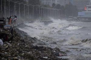 Chùm ảnh: Người dân Philippines vật lộn chống chọi với bão Mangkhut