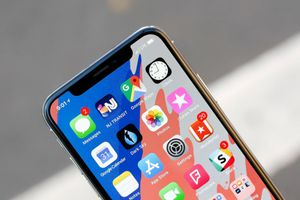 LG chính thức trở thành nhà cung cấp tấm nền OLED cho iPhone