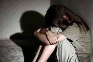 Con gái 10 tuổi tố cáo hành vi đồi bại của người cha mất nhân tính