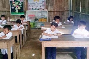 Nuôi 'con chữ' trong những lớp học tạm ở vùng cao Trà Khê