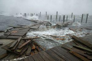 Siêu bão Florence đổ bộ vào Mỹ, ít nhất 5 người thiệt mạng