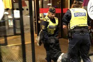 'Dậy sóng' ngoại giao Trung-Thụy Điển vì du khách không được vào khách sạn