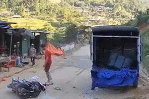 Tài xế xe máy tử vong sau cú tông mạnh vào đuôi xe tải đậu ven đường
