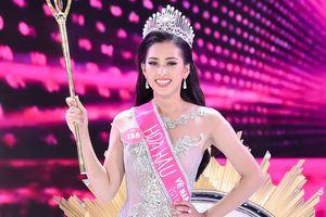 Cô gái 18 tuổi Trần Tiểu Vy đăng quang Hoa hậu Việt Nam 2018