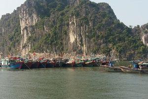 Siêu bão Mangkhut: 'Cấm' biển từ 10h, học sinh toàn tỉnh Quảng Ninh nghỉ học