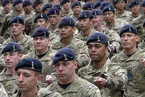 Bộ Quốc phòng Anh bị lộ hóa đơn sốc chi cho binh sĩ sửa ngực