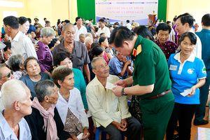 Khám bệnh, cấp thuốc miễn phí cho đối tượng chính sách tại Cần Thơ