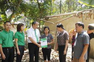 Tập đoàn Mai Linh hỗ trợ 4 căn nhà và 8 tấn gạo cho người dân vùng lũ tỉnh Thanh Hóa