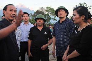 Thứ trưởng Bộ GTVT kiểm tra hiện trường vụ tai nạn làm 13 người chết