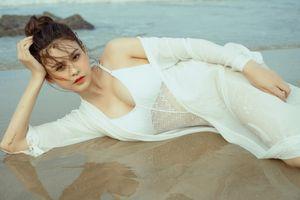 'Gái 1 con' Trương Quỳnh Anh đầy gợi cảm khi diện bikini bốc lửa