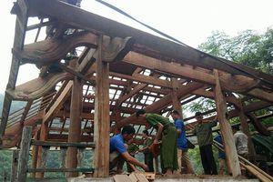 Công an giúp di dời nhà dân, gặt lúa 'chạy bão' Mangkhut