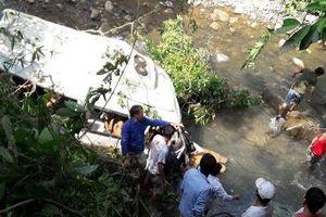 Chuyển 3 nạn nhân vụ tai nạn thảm khốc ở Lai Châu về Hà Nội chữa trị