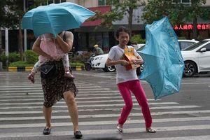 Bão Mangkhut đổ bộ đất liền Trung Quốc