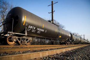 Giá dầu giảm nhẹ do căng thẳng thương mại đe dọa triển vọng nhu cầu