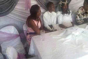 Cặp đôi 'thuê' người đóng giả cô dâu, chú rể làm điều khó tin