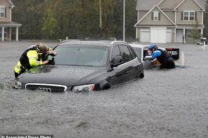 Hàng ngàn người Mỹ phải rời nhà vì ngập lụt