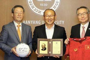 HLV Park Hang-seo được một trường đại học ở Hàn Quốc vinh danh