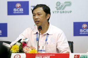 HLV Dương Minh Ninh: 'Hàng thủ HAGL đang khủng hoảng lực lượng'