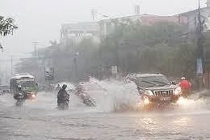 Bão Mangkhut suy yếu thành áp thấp, cảnh báo nhiều nơi mưa rất to