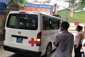 Xe cứu thương liên tục đưa thi thể nạn nhân ở đêm nhạc hội về quê