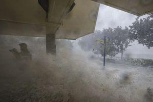 Bão Mangkhut tàn phá Hong Kong trong 10h, hơn 200 người bị thương