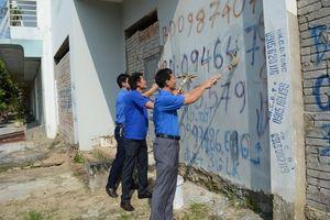 Tuổi trẻ thành phố Thanh Hóa ra quân bóc, xóa quảng cáo trái phép