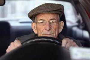 Hy Lạp: Tài xế cao niên phải sát hạch bằng lái