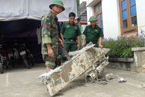 Ngư dân phát hiện vật thể lạ nghi của máy bay rơi xuống biển