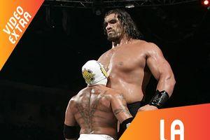 Các siêu sao WWE ăn gian chiều cao ra sao?