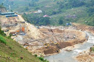 Thủy điện không phép ở Lào Cai: Sở kiến nghị tạm dừng, tỉnh vẫn tạo điều kiện